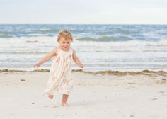 Portraits: at the beach. By Calm Cradle Photo & Design Lifestyle Newborn Photography, Girl Photography, Children Photography, Photography Ideas, Baby Beach Photos, Beach Pictures, Beach Babies, Beach Kids, 2nd Birthday Photos