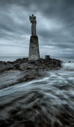 Notre Dame de Kerdro à marée haute - Locmariaquer. - Entrée du golfe du Morbihan (56) France
