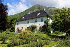 baroniet rosendal - Google-søk Villas, Norway, Mountains, Google, Travel, Viajes, Villa, Destinations, Bergen