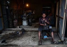 Smiling Labor Photo by Indranil Dutta — National Geographic Your Shot