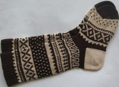 Coffee brown warm autumn fall winter Scandinavian pattern knit wool short