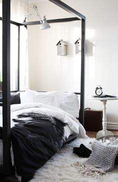 black  white bedroom decor simplicity. WANT that duvet cover!