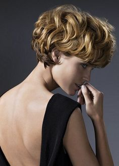 Pictures : Best Short Haircuts for Round Faces - Long Pixie Haircut