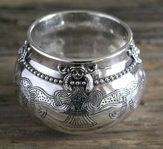 Vikings:  Replica of a #Viking cup from Lejre (Denmark).