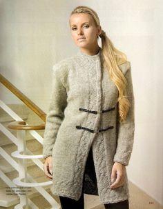 Patron para tejer un Abrigo tipo Sacon con cuello Mao   iknitts.com Knit Fashion, Free Pattern, Knitting Patterns, Knit Crochet, Plus Size, Sweaters, Fashion Design, Clothes, Dresses