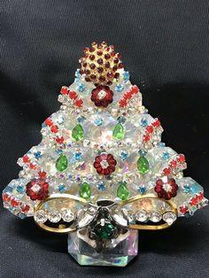 c9000b9968b All Crystal Glass Vintage Rhinestone Christmas Tree Pin Brooch LaHeir    eBay Jewelry Christmas Tree,