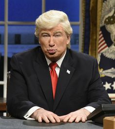 """Alec Baldwin Says What We're All Thinking About His Trump Impression """"We're just repeating back what he says."""""""