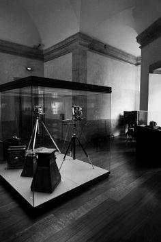 CPF - Centro Português de Fotografia, no edifício da Cadeia da Relação, promove exposições de fotografia, dispõe de museu documental e de câmaras antigas
