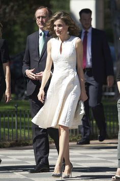 Royals & Fashion - Queen Letizia attended an awards ceremony to reward Spanish women in Madrid.