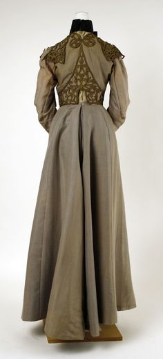 Walking Dress, House of Worth (French, 1858–1956): ca. 1900-1903, French, silk, leather, metallic thread, cotton.