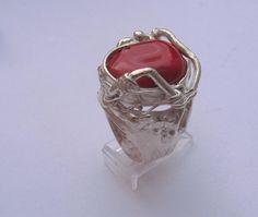 anillo de plata 925 y coral rojo, de Alina Martínez Perdomos