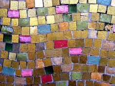 Love the burnished gold and pink tones of this mosaic