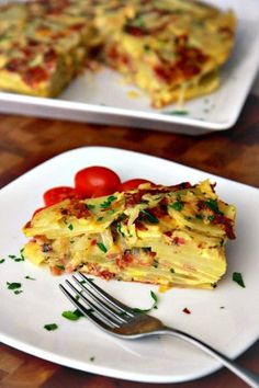 Salami and Cheese Spanish Tortilla- Just made this today along with a container of grape tomatoes, sliced in half with a simple dijon dressing: 1 Tbsp dijon, 1 Tbsp Red Wine Vinegar, 2 Tbsp olive oil, plus tsp salt and pepper. Excellent and easy. Tortilla Bake, Homemade Tortilla Chips, Tortilla Recipes, Milk Recipes, Mexican Food Recipes, Cooking Recipes, Salami And Cheese, Restaurant, Dessert