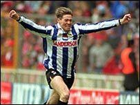 Chris Waddle Chris Waddle, Sheffield Wednesday Fc, Football Program, Football Pictures, My Hero, The Past, Baseball Cards, Sports, Hs Sports