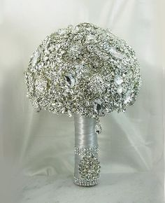 Stunning and sparkling broach bridal bouquet