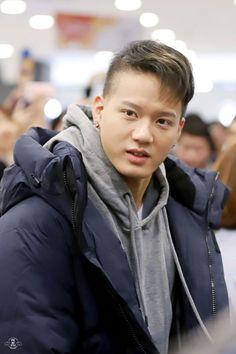 Lee Minhyuk, Btob, Born To Beat, Im Hyunsik, Cube Ent, Mens Fashion, Album, Pictures, Moda Masculina
