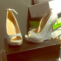 Chinese laundry silver bling fab heels sz 7 Brand new ! Bought in vegas Chinese Laundry Shoes Heels