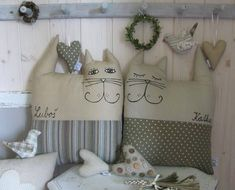 , this means cat in spanish. I'd love to make these for my granddaughter's.