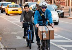 Postman pet: Courier cycles up to 25 miles with his CAT on his shoulder while making deliveries  Read more: http://www.dailymail.co.uk/news/article-2229834/Real-life-Postman-Pat-Courier-delivers-parcels-cat-companion.html#ixzz2tScZiqDm  Follow us: @MailOnline on Twitter | DailyMail on Facebook