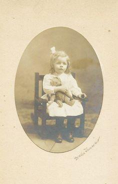 § Old Teddy Bears, Antique Teddy Bears, Bear Photos, Vintage Photos, Little Girls, History, Antiques, Children, Postcards