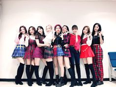 Criss Hallyu: Twice ( : Selfies Part 531 Nayeon, Kpop Girl Groups, Korean Girl Groups, Kpop Girls, Twice Jungyeon, Twice Kpop, Minions, Divas, Color Pop