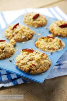 Streusel Topped Vegan Almond Plum Muffins: use streusal topping for cheesecakes, bake and crumble