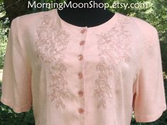 Vintage PINK EMBROIDERED TOP Jacquard Rayon, Boho Chic short sleeves shirt, pearlized buttons, pretty flowers embroidered on bodice, 1990s M by MorningMoonShop on Etsy
