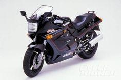 1986 Kawasaki Ninja 1000R 34 590x393 30 Years of Ninjas, Part 1: 1984 GPz900 Ninja to 1990 ZX 11! Forget the Pinta and the Santa Maria: It was the Ninja that delivered us to the New World.
