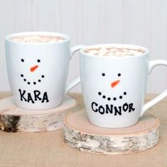 Personalized snowman mugs using inexpensive mugs and permanent markers. {Great students gift idea, especially for those who don't celebrate Christmas. Also great for teachers on a budget!}