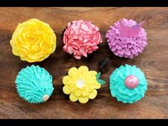 6 Buttercream Frosting Styles Using A PETAL Piping Tip Ballerina Tutu cupcakes, Ruffle cupcakes, rose flower cupcakes and mermaid shell cupcakes! 6 frosting techniques you can achieve with ONE PETAL PIPING TIP! Cupcake Piping, Cupcake Frosting, Baking Cupcakes, Buttercream Frosting, Cupcake Cakes, Baking Desserts, Health Desserts, Cupcake Toppers, Tutu Cupcakes