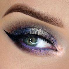 Τα πιο εντυπωσιακά μακιγιάζ με ιδιαίτερα χρώματα μόνο με τις υπηρεσίες του @homebeaute στο σπίτι σας! Για κρατήσεις στο τηλέφωνο  21 5505 0707! . . . #γυναικα #myhomebeaute  #ομορφιά #καλλυντικά #καλλυντικα #μακιγιαζ #κραγιόν #κραγιον #makeup #μωβ #χειλη #ομορφια #μακιγιάζ #νυφη #νυφικο