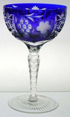 Idea única del regalo de novia.  Crystal platillo champán hecha de cristal al plomo 24% - genuina entubado.  - Marsala Platillo