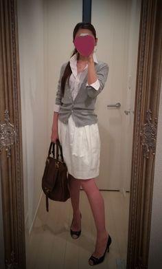 White dress + gray sweater + black heels + brown bag - http://ameblo.jp/nyprtkifml