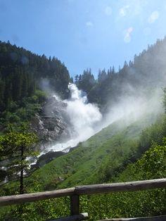 Atmenberaubende Blicke entlang des Wasserfallswegs zu den Krimmler Wasserfällen. Nach dem Anstieg gehts relativ gemütlich rein in das Krimmler Achtental - bekannt für seine Almwirtschaft. Mountains, Nature, Travel, Outdoor, Waterfall, National Forest, Hiking, Things To Do, Outdoors