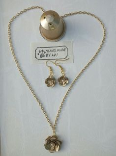 Artículos similares a Collar hecho a mano mujer y nespresso café weman reciclado, únicas joyas en Etsy