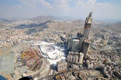 Aerial view of Mecca in 2010, showing new construction alongside the Kaaba (photograph by Fadi El Benni, via Al Jazeera English)