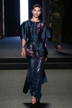7ca214e4d3cc Julien Fourni   haute couture spring summer 2018 Cappelli Di Vestito
