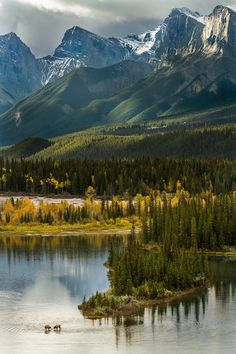 Bow River, Banff national park, Canada