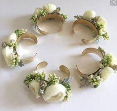 How To Make Wrist Corsage DIY - Beauty of Wedding