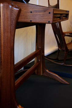 Sam Maloof furniture at the Craft in America Study Center Woodworking Toys, Woodworking Furniture, Woodworking Projects, Custom Woodworking, Timber Furniture, Custom Furniture, Furniture Design, Furniture Projects, Wood Projects