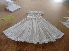 Muñecos Navideños: Santita Cortinero - YouTube Crochet Zig Zag, Diy Vestido, Diy Shorts, Emo Girls, Baby Cardigan, Formal Dresses, Wedding Dresses, Frocks, Baby Dress