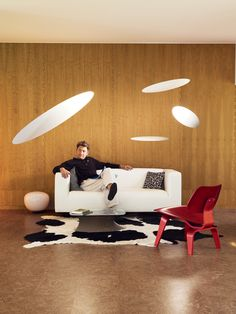 He was beginning to regret terminating his psychotherapy. The white discs were back.  (Photo: Henrik Knudsen; Dwell, February 2009)