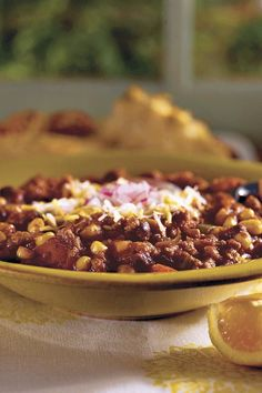Use your slow-cooker for this easy chili recipe featuring lean ground turkey, black beans and corn. Healthy Snacks For Diabetics, Healthy Crockpot Recipes, Chili Recipes, Soup Recipes, Drink Recipes, Crockpot Ground Turkey, Slow Cooker Turkey, Asian Dinner Recipes, Healthy Dinner Recipes