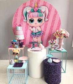 Nenhuma descrição de foto disponível. Funny Birthday Cakes, 7th Birthday, Birthday Parties, Girls Party Decorations, Party Themes, Birthday Event Ideas, Lol Doll Cake, Candy Bar Party, Doll Party