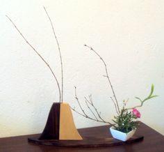 Ikebana = sobras de madeiras + galhos secos