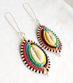 Shop for earrings on Etsy, the place to express your creativity through the buying and selling of handmade and vintage goods. Shell Earrings, Beaded Earrings, Earrings Handmade, Handmade Jewelry, Beaded Bracelets, Beaded Jewelry Designs, Diy Jewelry, Jewelry Making, Jewelry Ideas