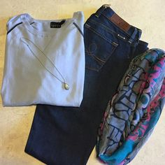 NWT size 4 (27) lucky brand jeans long New with tags Sophia cut lucky brand jeans. Size 4 long which is 27/34. Boot cut. Look amazing with heels, wedges, or boots. Dark for a thinning look. Smoke free home. Amazing deal. Lucky Brand Jeans Boot Cut