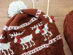 ResQCrafts: Moose Fair Isle Hat - Free Knitting Pattern #knitting #fair isle #hat