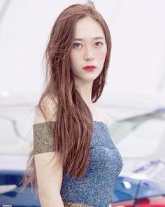 South Korean Girls, Korean Girl Groups, Krystal Jung, Jessica Jung, Korean Star, American Singers, Superstar, Actresses, Long Hair Styles