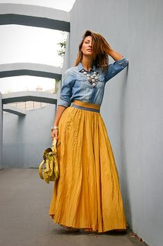 A small selection of long skirts. Comfortable, fresh and flattering with many possibilities to combine. Modest Outfits, Skirt Outfits, Modest Fashion, Trendy Outfits, Cool Outfits, Fashion Dresses, Look Fashion, Womens Fashion, Fashion Trends